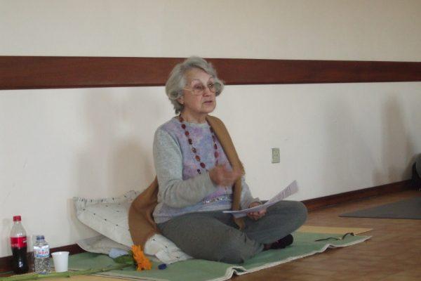 Yoga Sutra de Patanjali com Dinorah - YP10