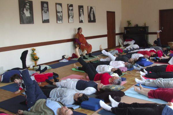 Hatha Yoga com Sw. Nirmal - YP10